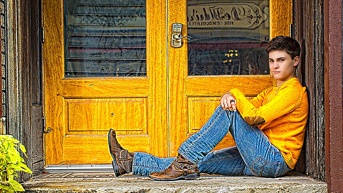 male senior picture in charles town wv